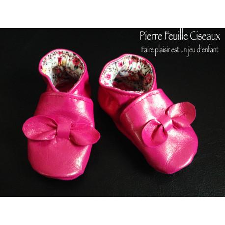 Chaussons en cuir souple rose fushia