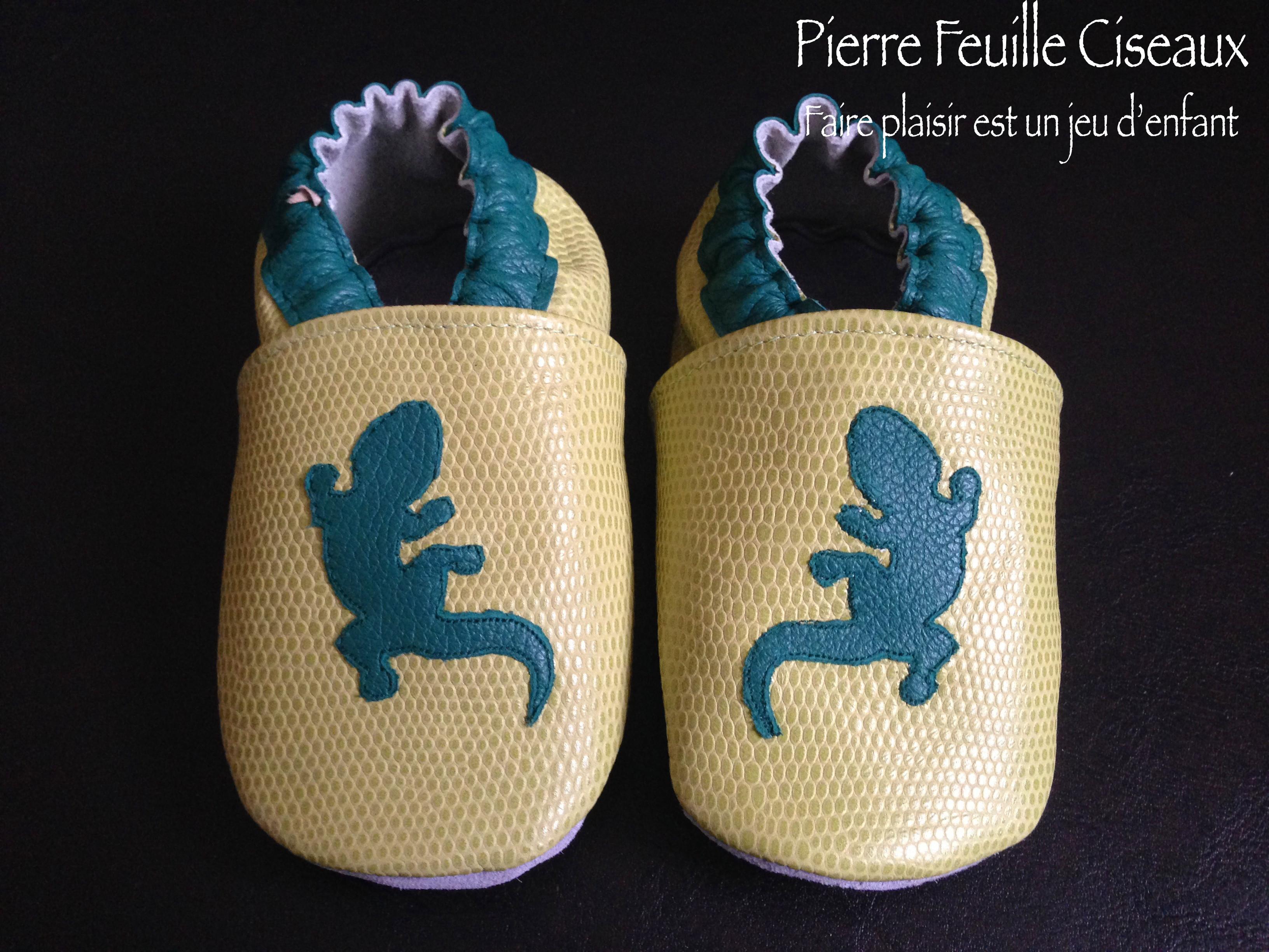953cc111761a6 Chaussons en cuir souple verts - lézard - Pierre-Feuille-Ciseaux